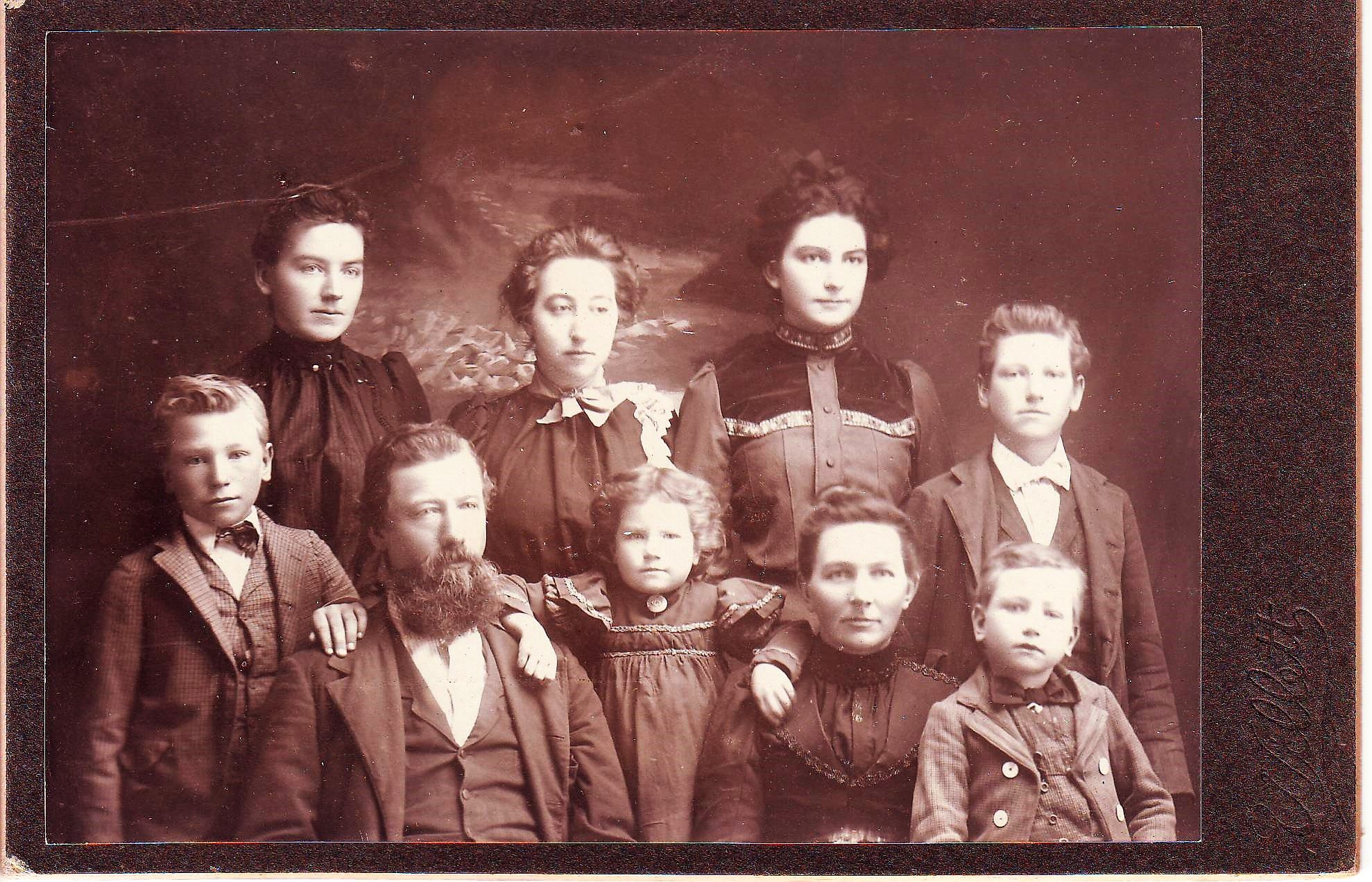 James L and Esther (Gleason) Brisendine Family